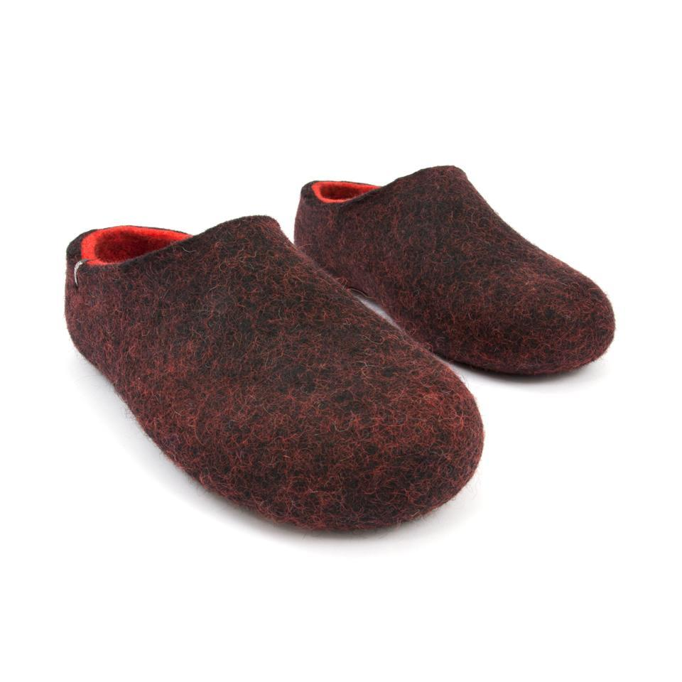 DUAL BLACK red slippers by Wooppers -e