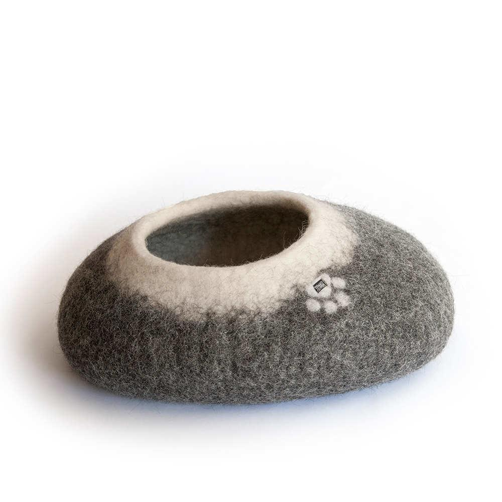 pebble cat bed grey w. white interior