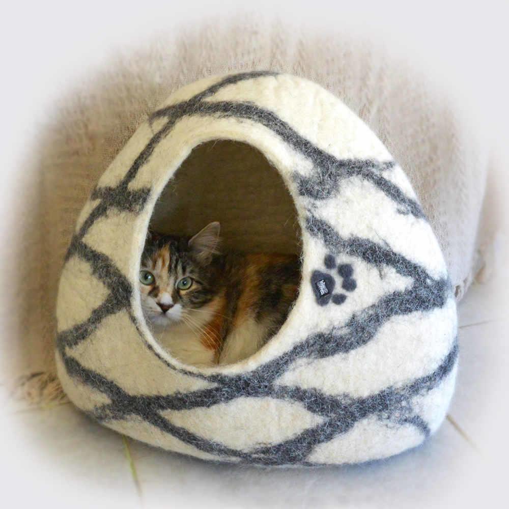 Igloo cat house / felt cat cave white w. black linear design