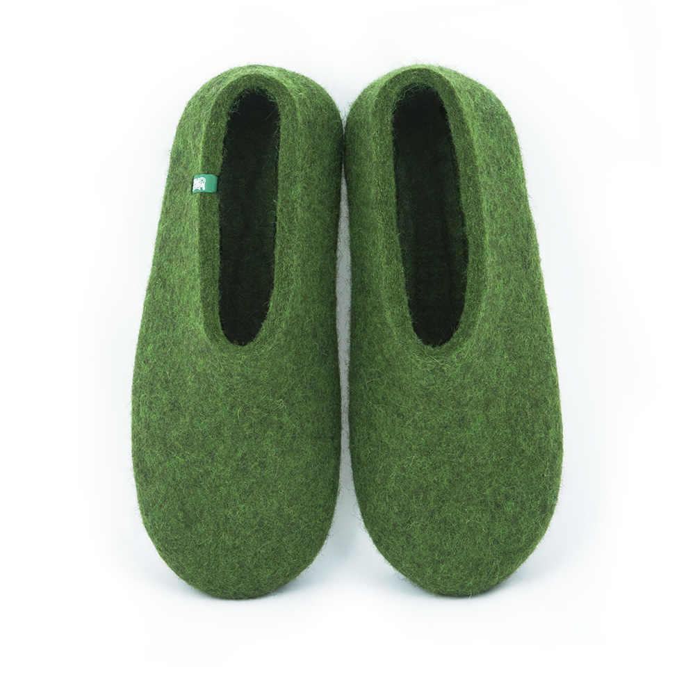 Moss green felt slippers «BASIC»