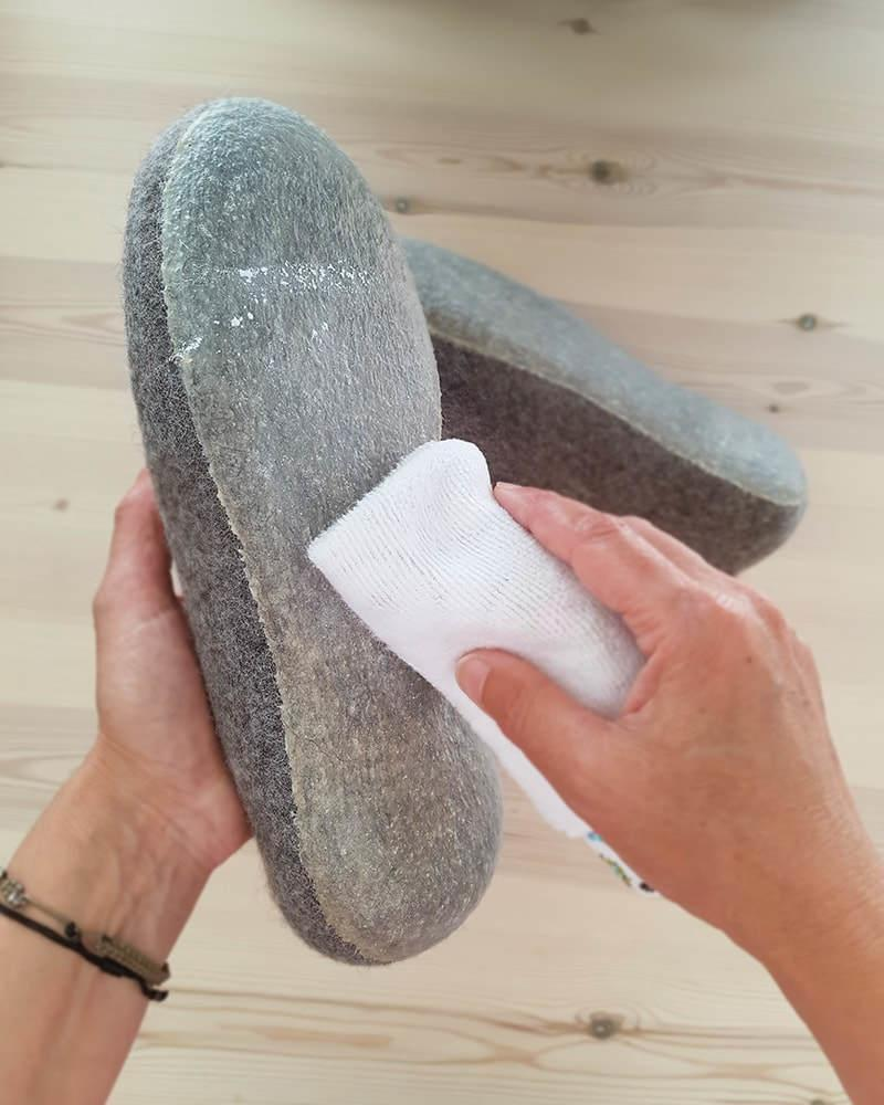 treat rubber soles with talcum powder