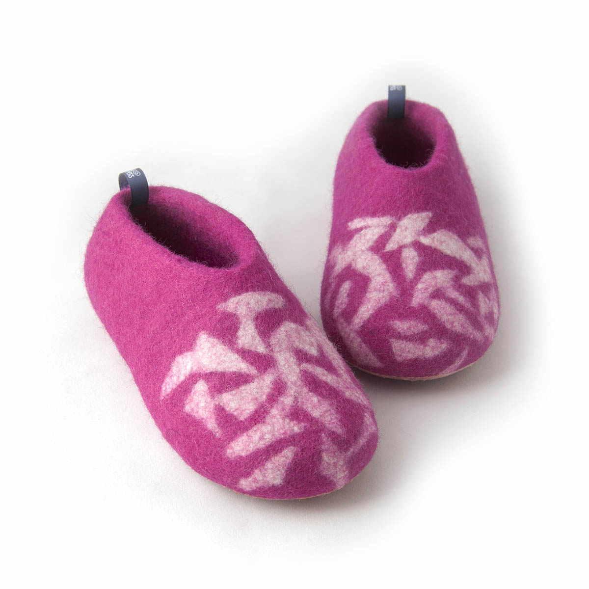 85d2831026b Wooppers - Χειμωνιάτικες παιδικές παντόφλες BITS φούξια -c. Latex σόλες για  τα παιδικά παντοφλάκια Wooppers. Next