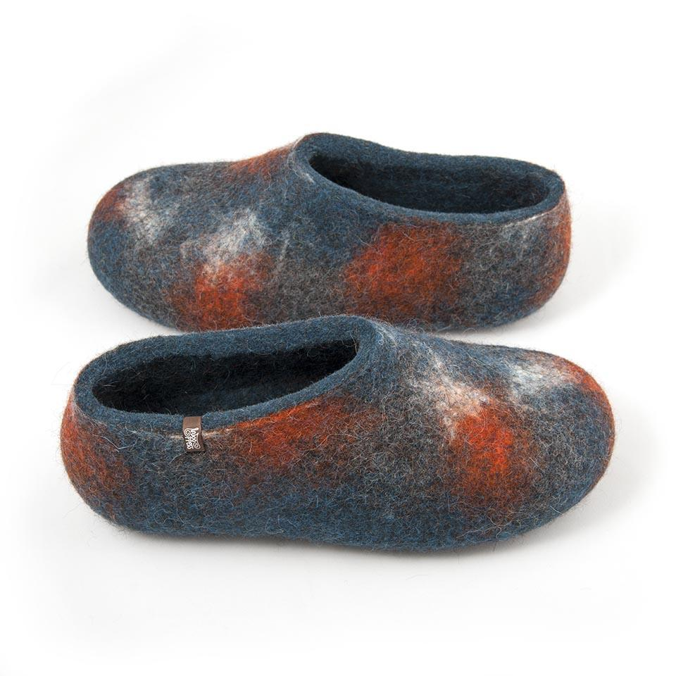 ARTI wooppers slippers with petrol blue as a base colour