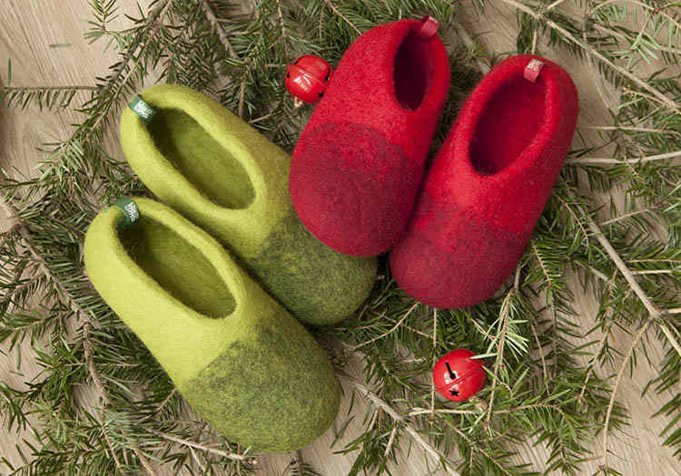 Childrens christmas slippers